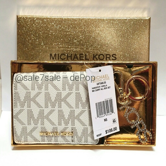 01c2e2500cef91 Michael Kors Bags | Final Price Mk Boxed Bundle Coin Change Purse ...